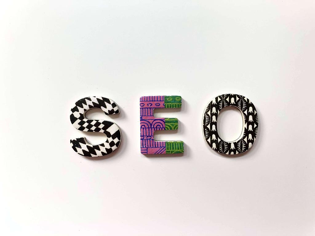 SEO - tối ưu hóa công cụ tìm kiếm - bằng chữ cái